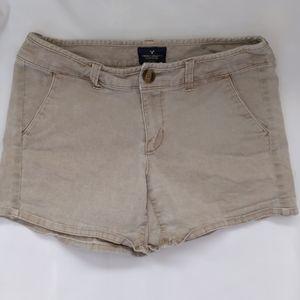 American Eagle khaki short